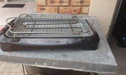 Excellent electric griller, never used before, good as