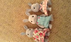 Mint condition set of sylvanian bunnies and dining room