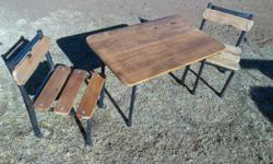 2 x chairs & table very strong available in Randfontein