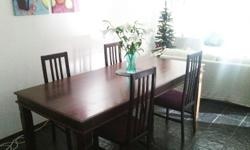 Large table 210 x 104cm and 4 matching chairs