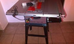 New in box table saw ,table size 9500x650