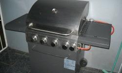 4 Burner gas braai SB in good condition, only used