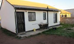 This house is for sale in Vosloorus ext 25.Its a