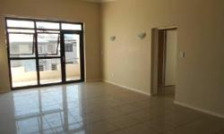 This impressive 2 bed, 2 bath apartment is conveniently