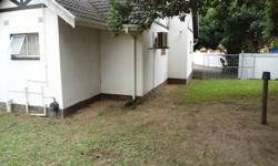 This property offers 3 bedrooms, 2 bathrooms (mes),