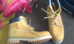 hi i got timberland boots for sale.....limited stock