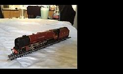 Various oo trains for sale, 3 guage and 2 rail.