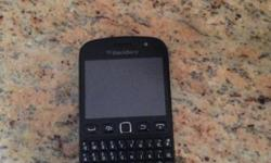 Selling my blackberry 9900 in excellent condition for
