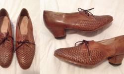 Genuine leather Vintage Shoes In very good condition!