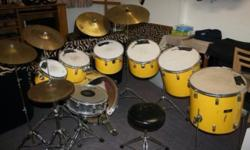 I am selling my Vintage Pearl Drumkit which has 6 toms,