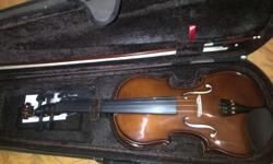 Violin 4/4 Includes case, resin and bow.