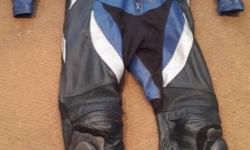 Vivante race leathers. size 54  In good condition,