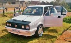 Citi golf 1.6i WITH MAGS AND FITTED SOUND 2000 model
