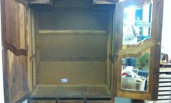 Beautiful antique wardrobe As per pictures Very heavy