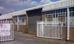 Beskrywing Warehouse or factory to let in Wadeville.
