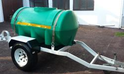 Water/diesel tank Trailer. +- 800 litre tank. It also