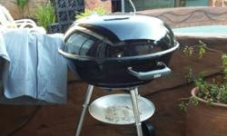 This Braai is only been used once and has a Rain cover