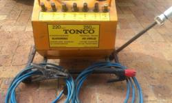 WELDER TONCO 250A FOR SALE R800   call jan : 0726605278