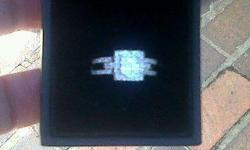 Beskrywing White gold dimond ring 9ct wit 66 small