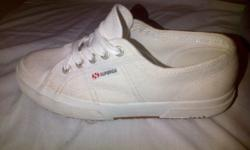 white supergas size 4 for sale , excellent condition.