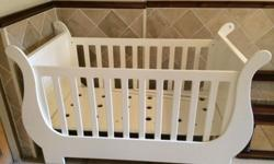 Second Hand White Treehouse Cot in excellent condition
