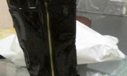 I am offering various new ladies boots for wholesale