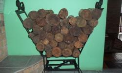 Helo guys, I am selling these wood stands which is an
