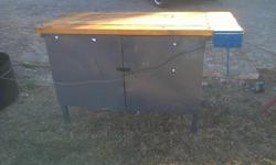 Unit with a wood vise and lockable cabinet available in