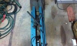 WOOD WORKING LATHE FOR SALE, 220 VOLTS, GOOD CONDITION,
