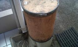 1 x small 50 cm high wooden storage drum with a 40 cm