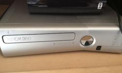 Great condition XBOX 360 for sale, 2 controllers and
