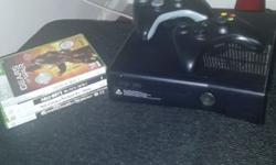 Xbox 360 with all cables , comes with 2 remotes and 4