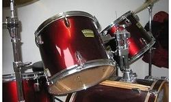 "5 piece Yamaha YD drum set, wine red Incl - 12"" & 13"""