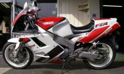 Beskrywing Fabrikaat: Yamaha Model: FZR 1,000 Exup