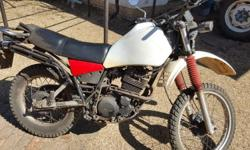 Yamaha XT 550 very good condition new plastic tank and