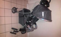 selling my zonic baby pram, easy fold up for storage or